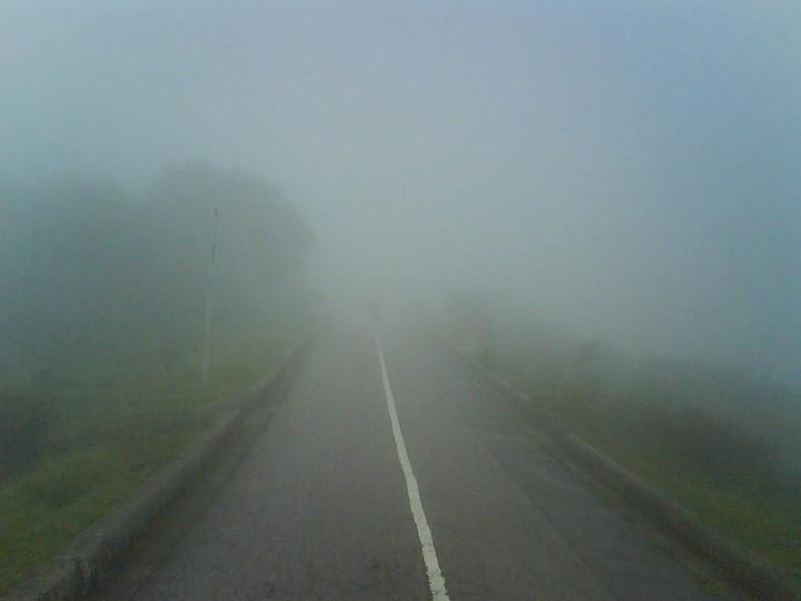 大帽山天氣多變,有霧一啲都唔奇。