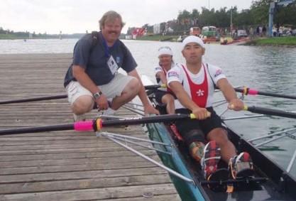 戴劍平曾為香港划艇隊成員